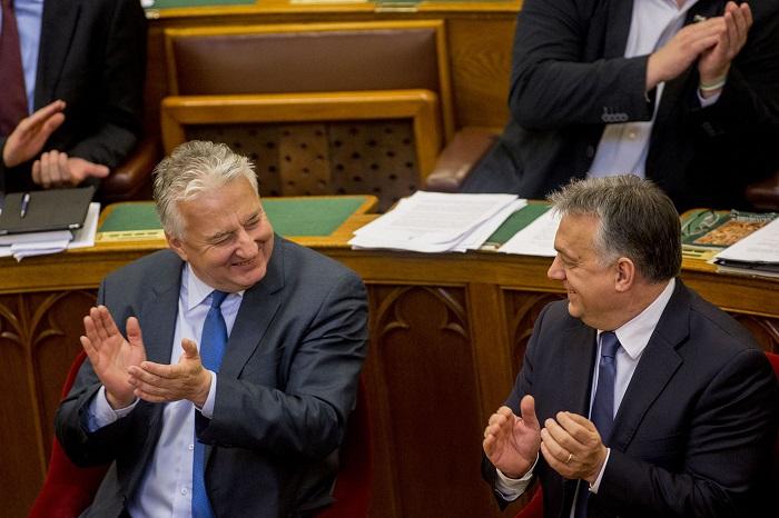 Itthon már minden rendben van, ezért az Orbán-kormány 9,5 milliárdot ad Horvátországnak