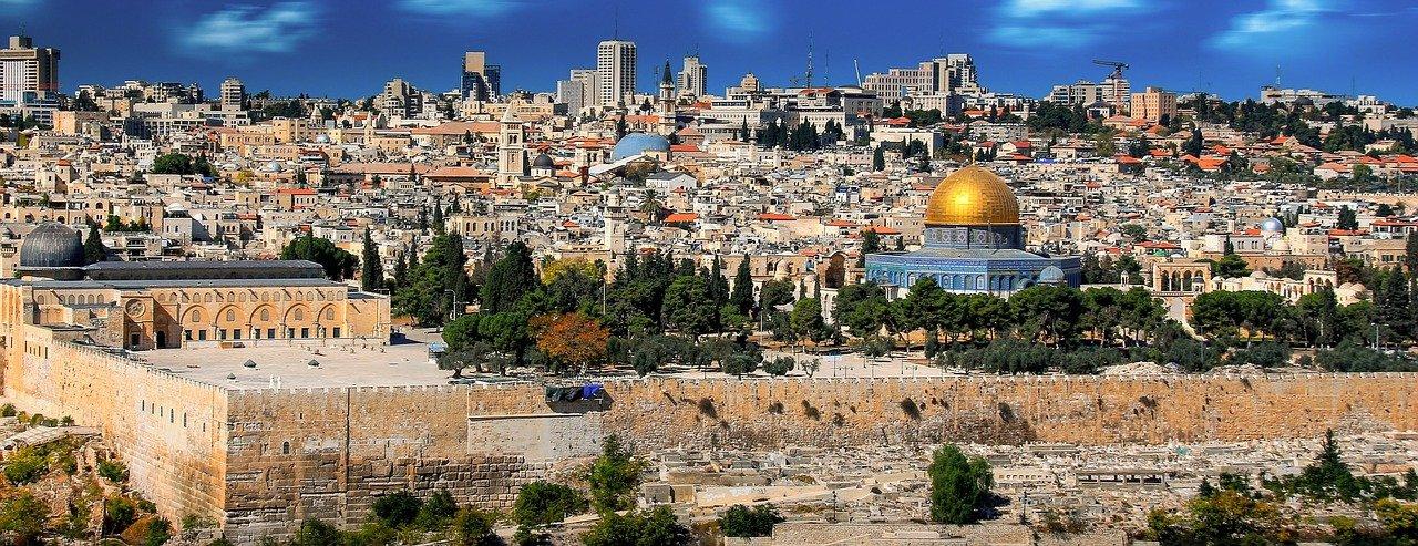 Ön tudta, hogy milyen messze van Makó Jeruzsálemtől?