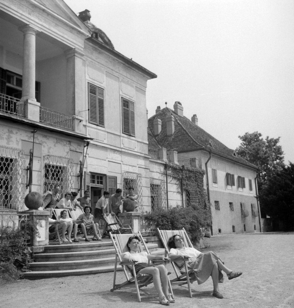 Írók a Balatonnál – a Szigligeti Alkotóház varázsa